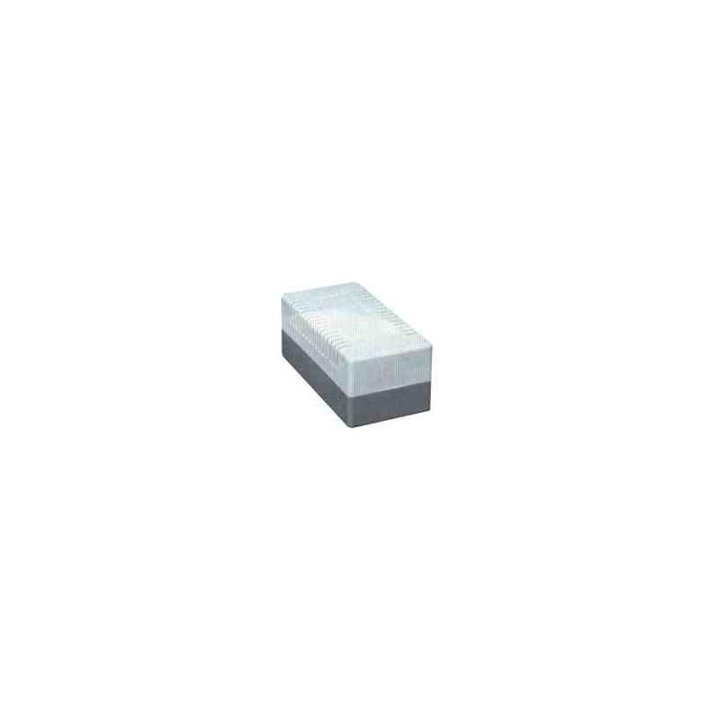 Caja protectora Astra 526 de tapa lisa con dimensiones de 102x52x24 mm