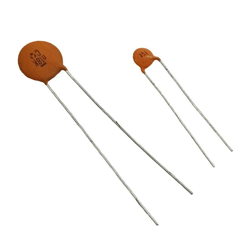 Condensador cerámico de 68 picoF